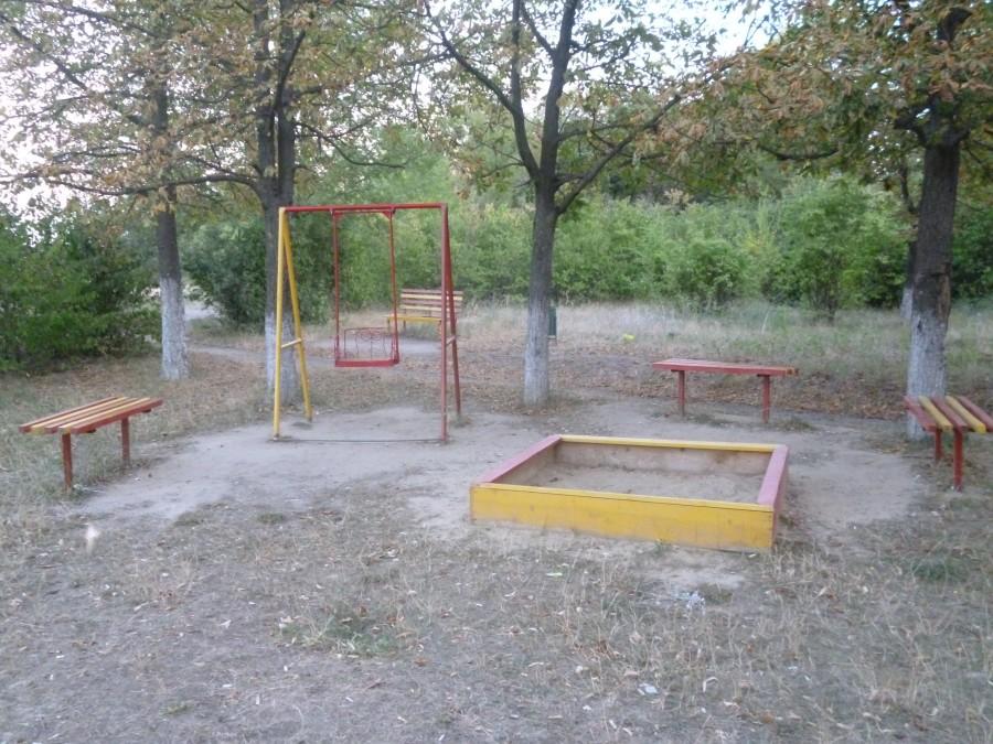 Детская площадка возле Кургана Дружбы, микрорайон